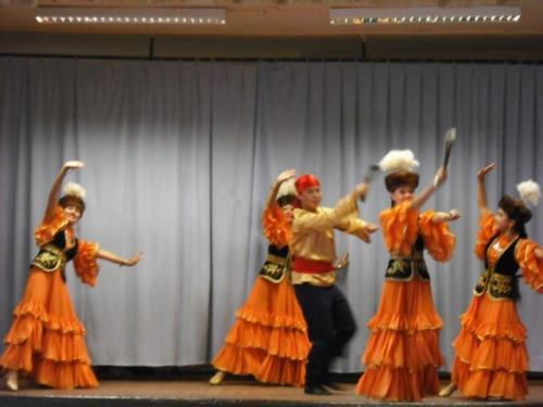 Kazahsztán néptánc csoport Vécsen